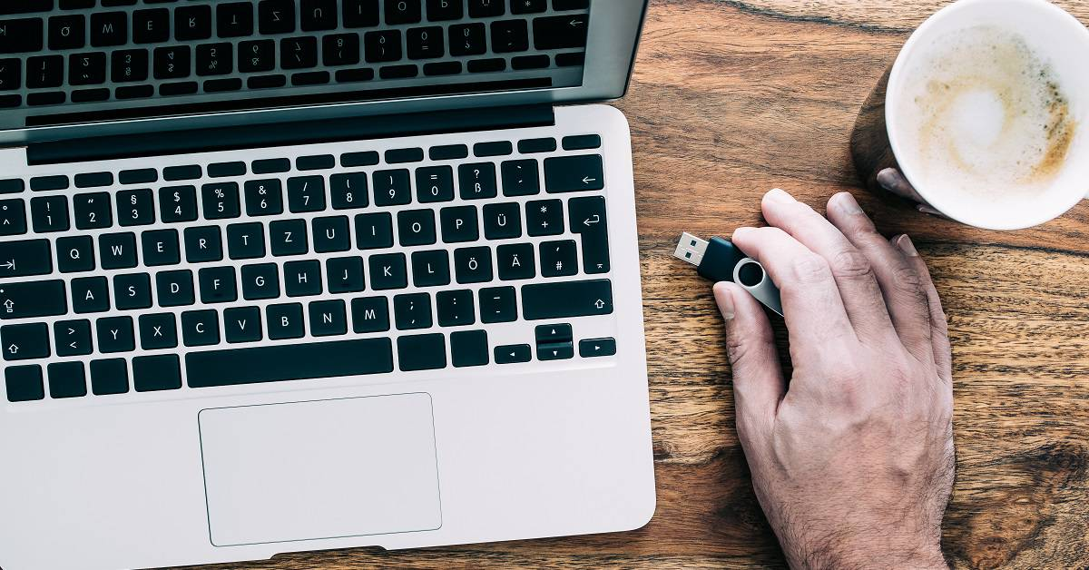 The Security Risks of USB Flash Drives